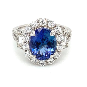 Oval Tanzanite & Diamond Milgrain Accented Ring