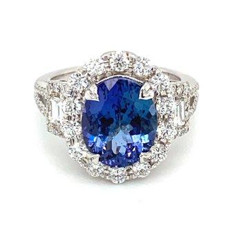 Oval Tanzanite & Diamond Milgrain Accented Ring