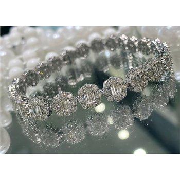 Round & Baguette 8 1/2 Carats Diamond Halo Tennis Bracelet