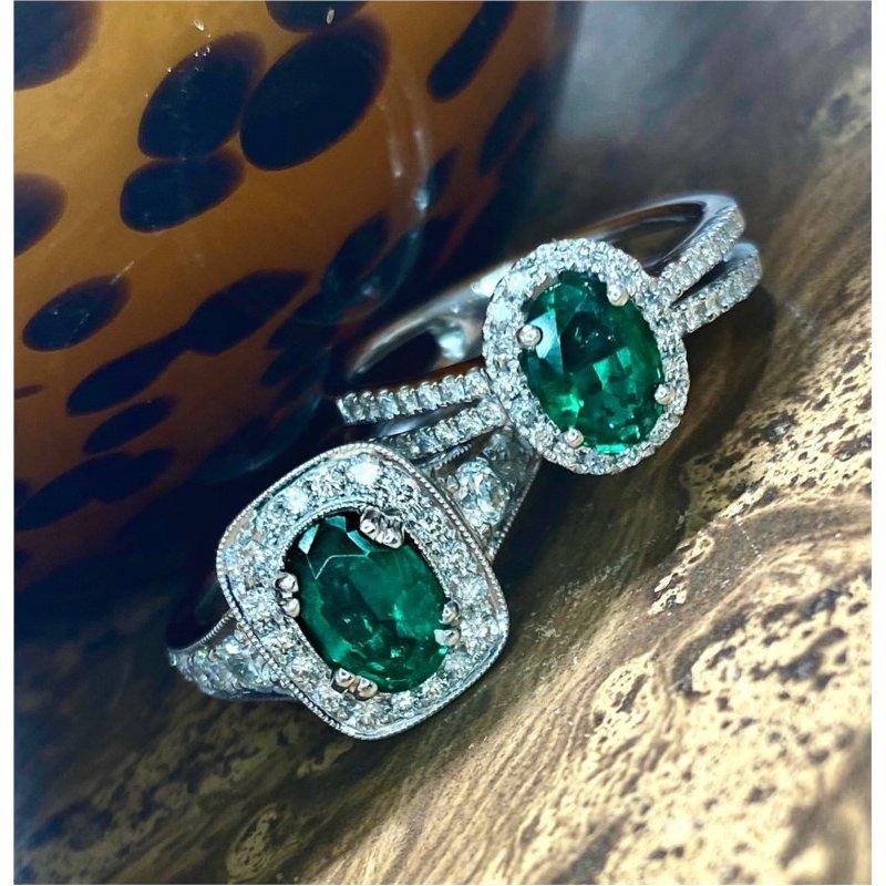 Murphy Pitard Signature Collection Oval Emerald & Diamond Halo Milgrain Ring