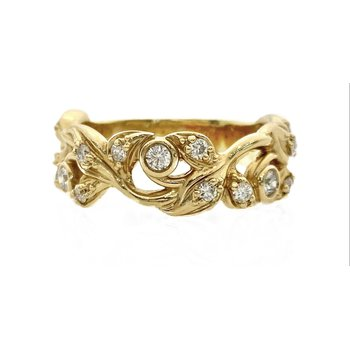 Floral Pattern Diamond Band