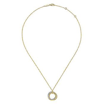 Diamond Pavé Interlocking Circle Necklace