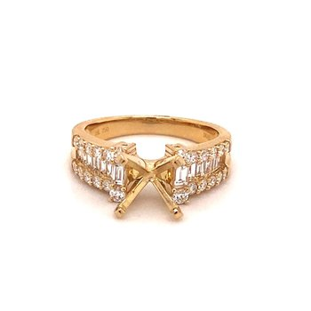 Round Diamond Engagement Ring With Diamond & Baguette Diamond Accents