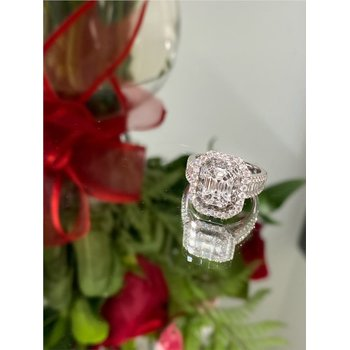 Diamond Emerald Mosaic Halo Ring