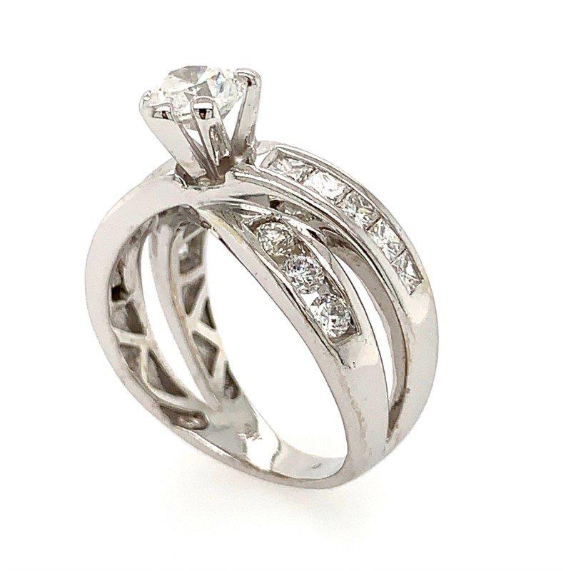 Signature Estate Heart-Shape Diamond Engagement Ring