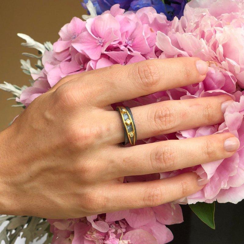 Lika Behar Yin-Yang Ring