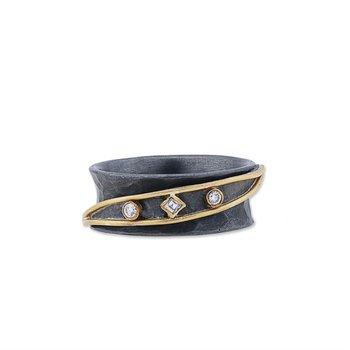 Yin-Yang Ring