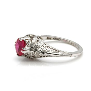 VINTAGE 10k WHITE GOLD RING WITH SIMULATED RUBY MAINSTONE SIZE 6.25  J6-3
