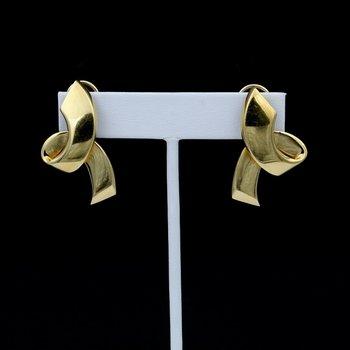 TIFFANY & CO PALOMA PICASSO STERLING 14K PLATING RIBBON OMEGA EARRINGS #981B-5