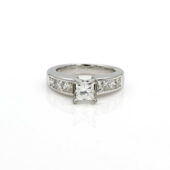 14K WHITE GOLD AND PRINCESS CUT DIAMOND 1.50 CTW ACCENTS RING SIZE 4.25 #1007B-5