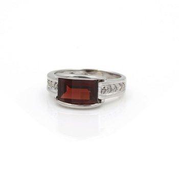 MODERN WHITE GOLD BARREL CUT GARNET RING DIAMOND ACCENTS RING SIZE 5 #JB62-7
