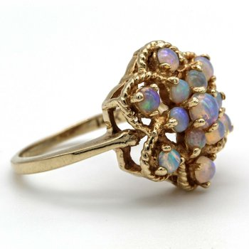 VINTAGE 14K YELLOW GOLD JELLY OPAL ROUND CABOCHON OPEN FLOWER ROPE DESIGN RING