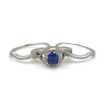 14K WHITE GOLD 2.25 CTW CUSHION SAPPHIRE & DIAMOND THREE BAND RING SZ. 7.0 E-162