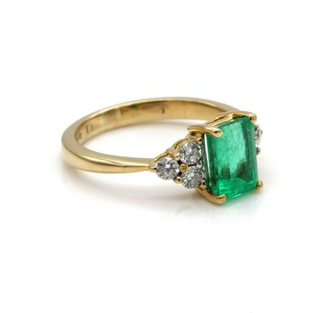 VINTAGE 18K SOLID GOLD EMERALD CUT EMERALD W/ ACCENT DIAMONDS 1.25 CTW 1105B-7