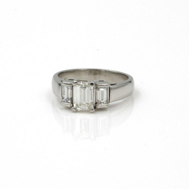 National Rarities PLATINUM 1.65 CTW EMERALD CUT DIAMOND RING CLASSIC 3 STONE SIZE 5.75 NICE E-281