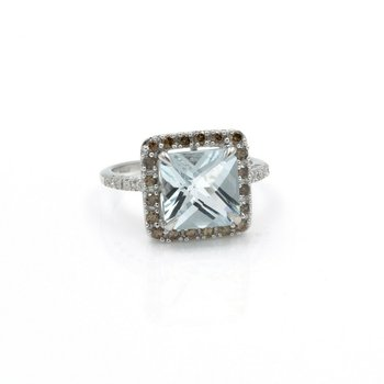 14K RING W/ 2.88 CT AQUAMARINE MAIN STONE AND .23 CTW DIAMOND ACCENTS NR #J3-2