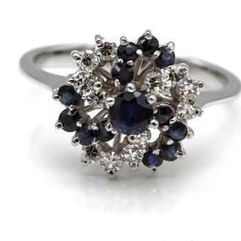 18KT GORGEOUS DIAMOND AND SAPPHIRE CLUSTER RING  WG CLASSIC COCKTAIL 1025B-4