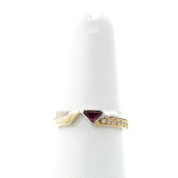 18K GOLD TWO-TONE MODERN DIAMOND & STEPCUT TRIANGLE RUBY BAND RING SZ 6.5 #D23-3