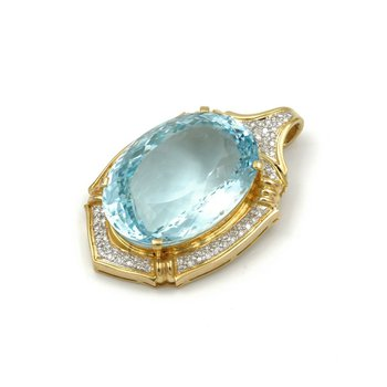 18K GOLD 30.74 CTW OVAL LIGHT BLUE AQUAMARINE & 2.30 CTW DIAMOND PENDANT #E-213