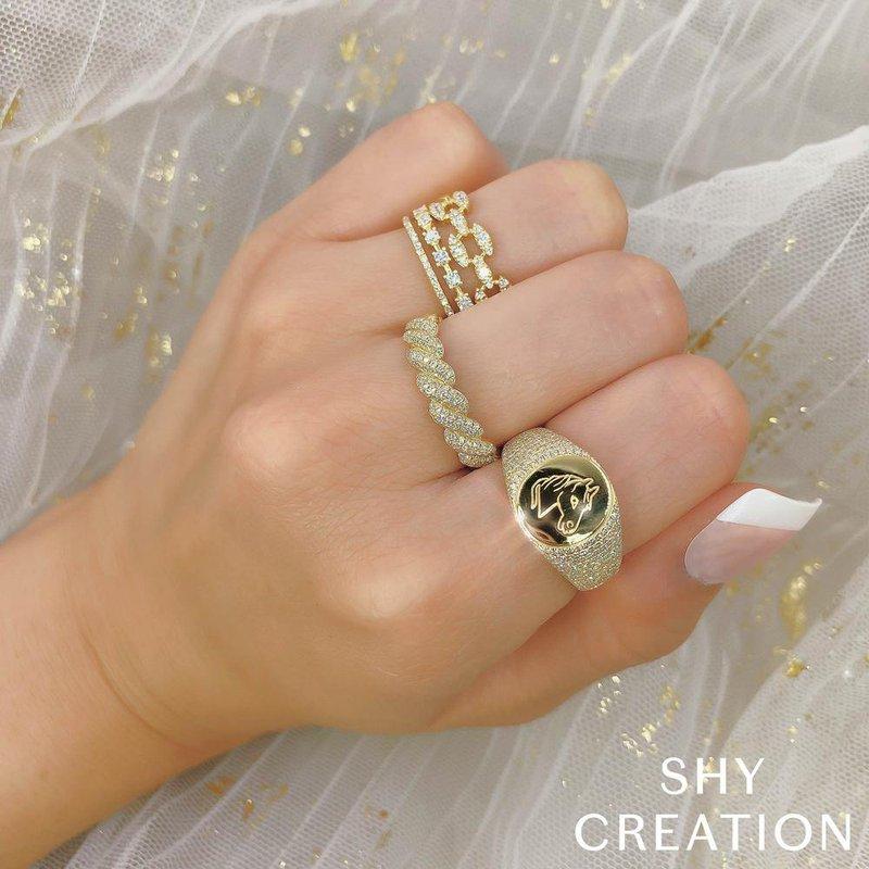 Shy Creation 10245491