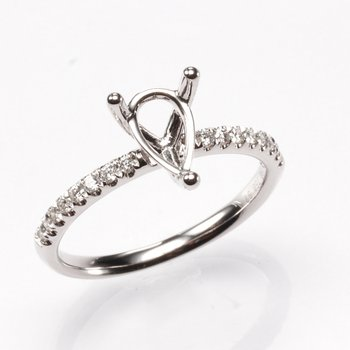 18K White Gold Pear .16Ctw Diamond Mounting