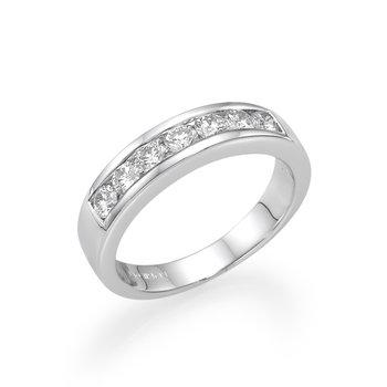 18K White Gold Wedding Band With Round Diamonds