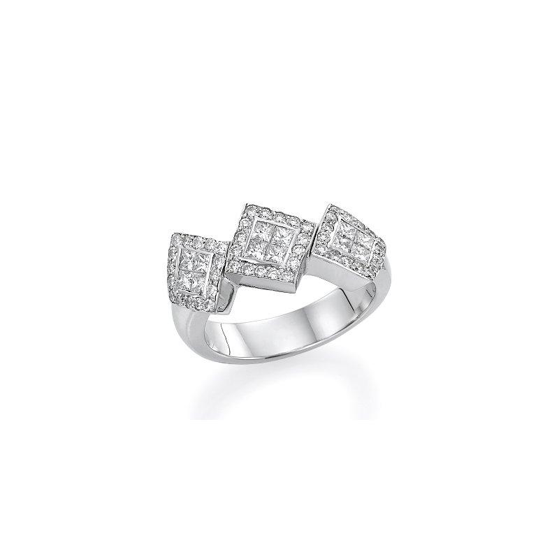 18K White Gold Modern Diamond Fashion Ring