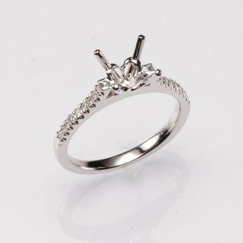 18K White Gold .15Ctw Diamond Mounting