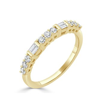 18K Gold Alternating Shape Diamond Band