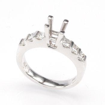 Platinum .86 Ctw Princess Engagement Ring Mounting