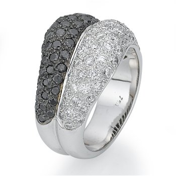 18K White Gold Black And White Diamond Fashion Ring
