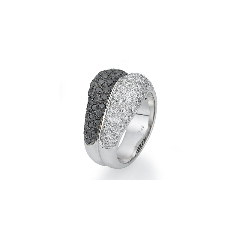 18K White Gold Black And White Diamond Fashion Ring