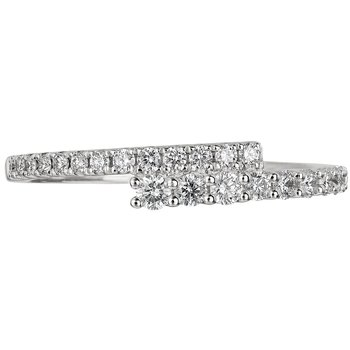 Diamond Roxbury Ring