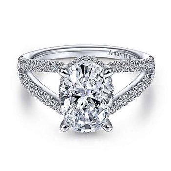 Platinum Oval Split Shank Ring