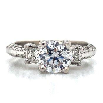 18k White Gold Antique Ring