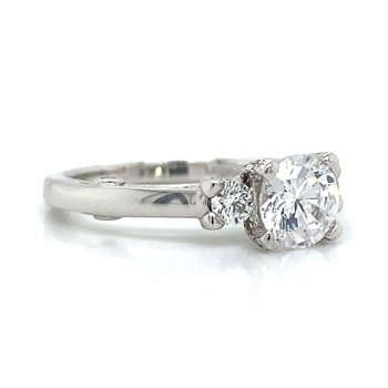 18k White Gold Three Stone Verragio Ring