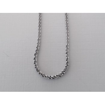 """One 18"""" Tinsel chain."""