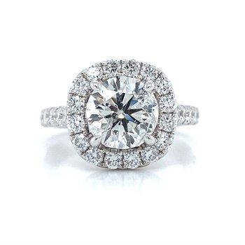 18K White Gold Halo Diamond Ring