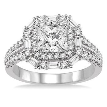 1 7/8ct tw Diamond Halo Engagment Ring in 14K White Gold