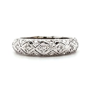 Detailed Diamond Band