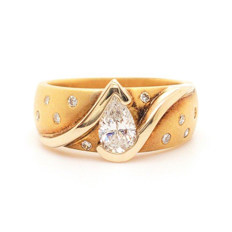 Sartor Hamann Closeouts Pear Shaped Diamond Ring