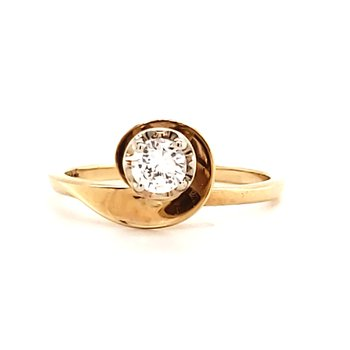 Gold Swoop Engagement ring