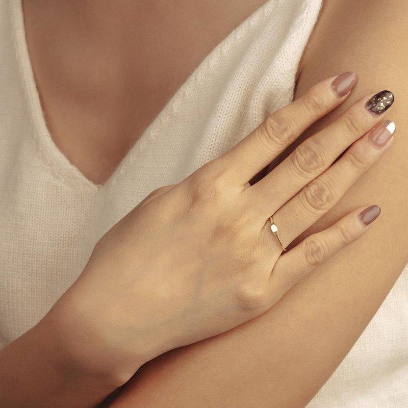 Aurelie Gi Nina Skinny Oval Signet Ring