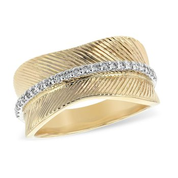 Textured Band Diamond Center Row