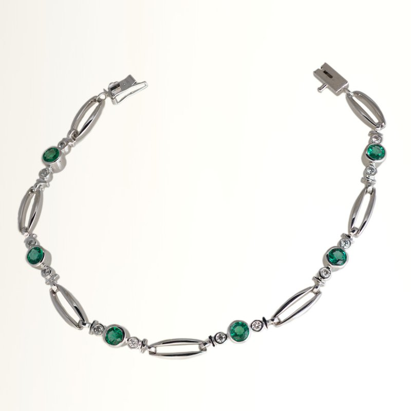 King's Wh Gold Emerald & Diamond Bracelet