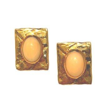 14kt Yel Oval Coral Earrings Pierced