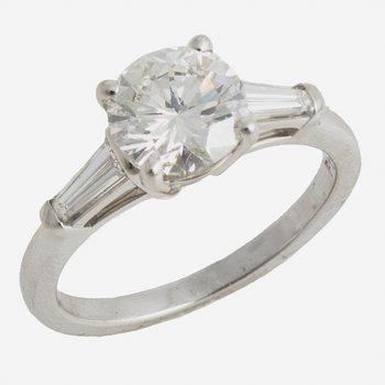 Plat Diamond Ring 1.51ct H VS2 w/Tapered Baguetts