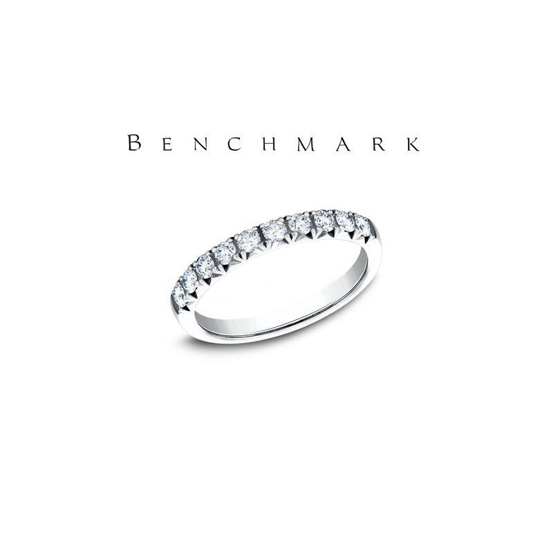 Benchmark 130-00958