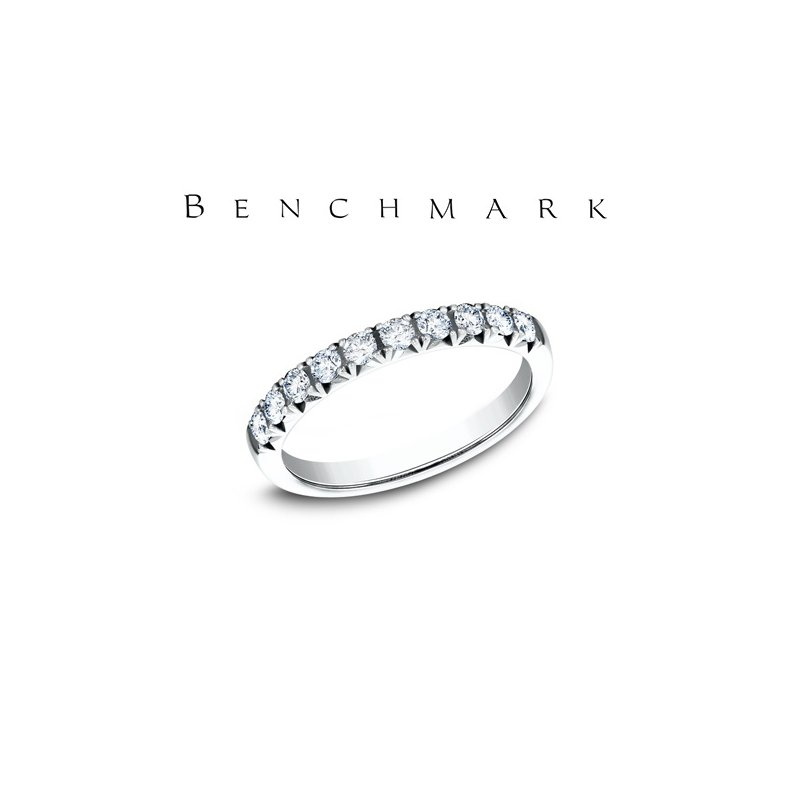 Benchmark 130-00957