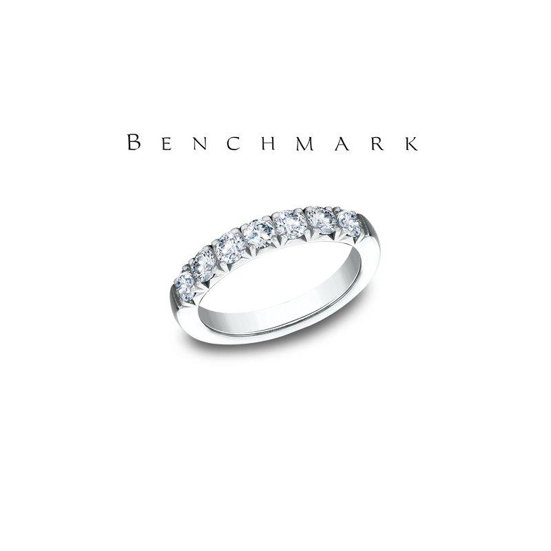 Benchmark 130-00960